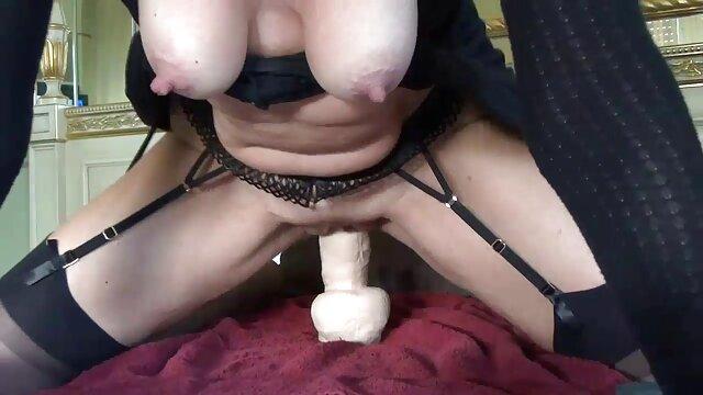 الإباحية بدون تسجيل  مولاتو مع شخص على شاشة كاميرا ويب افلام افلام سكسيه اجنبيه