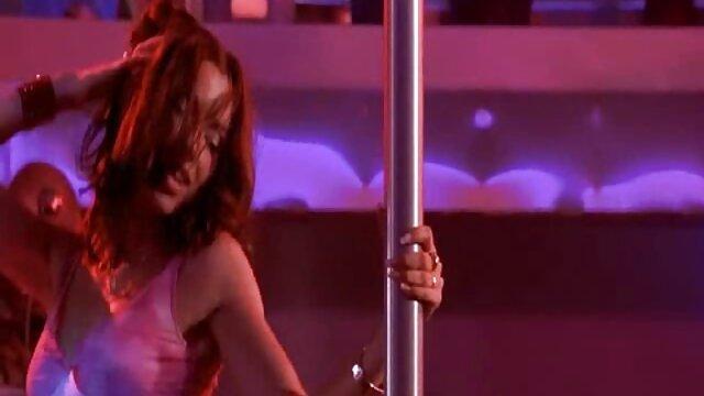 الإباحية بدون تسجيل  ماشا في حالة سكر و ممزق لهم في افلام سكسي اجنبي كامل اثنين القوس