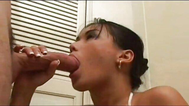 الإباحية بدون تسجيل  ضرب قليلا صور بنات اجنبي سكس لمدة ثلاثة