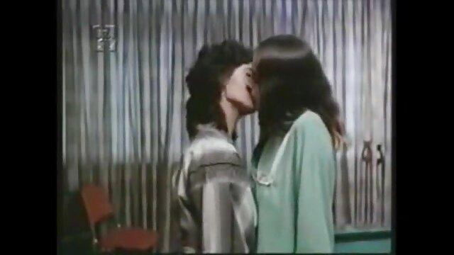 الإباحية بدون تسجيل  العاطفة التوت مع الرجل احلى افلام سكس اجنبيه
