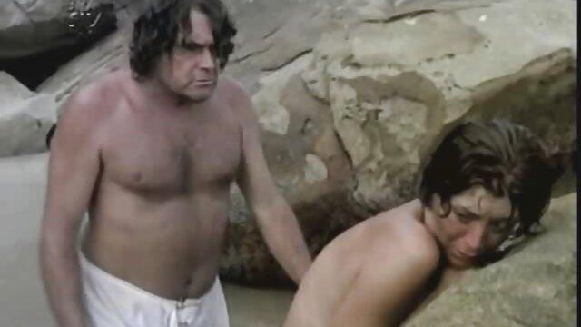 الإباحية بدون تسجيل  الفتاة افلام سكسي أجنبية جلبت إلى النشوة الجنسية باستخدام BDSM