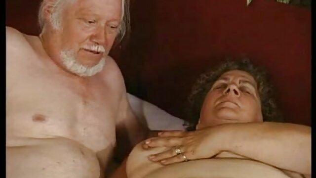 الإباحية بدون تسجيل  Sashulka التدخين الفجل جميلة جدا افلام افلام سكسيه اجنبيه