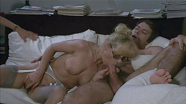 الإباحية بدون تسجيل  Alura جنسون لعق الديك للحصول افلام اجنبي سكسي مترجم على creampie