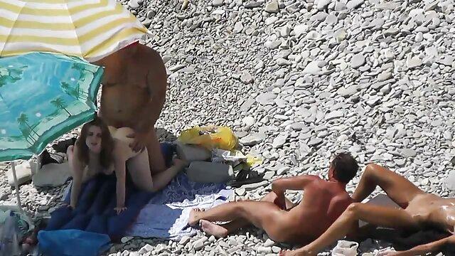 الإباحية بدون تسجيل  امرأة سمراء الساخنة سكسي ممثلات اجنبيه ركوب بيضاء كبيرة