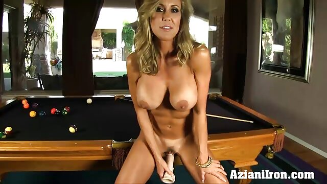 الإباحية بدون تسجيل  رجل سخيف الفتاة هو على احلى افلام سكس اجنبيه الطريق